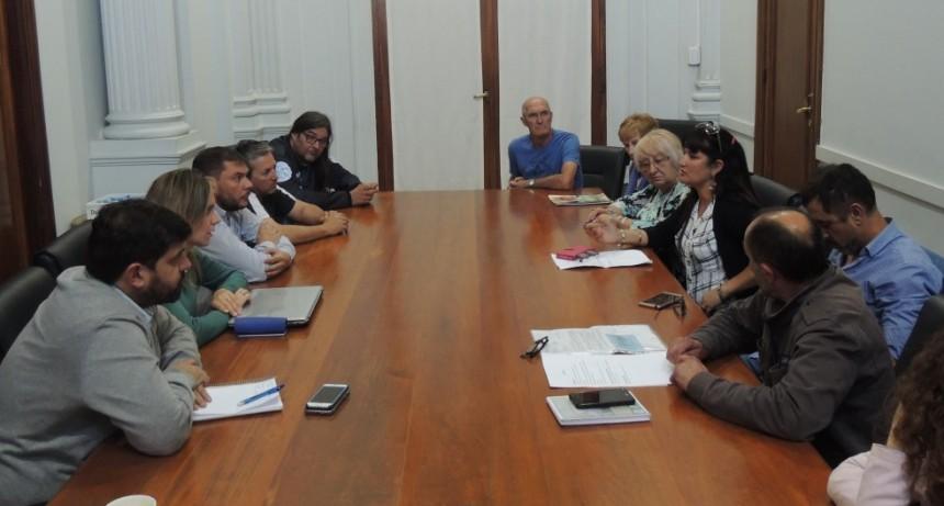 Ejecutivo y Sindicato de Municipales se reunieron por paritarias