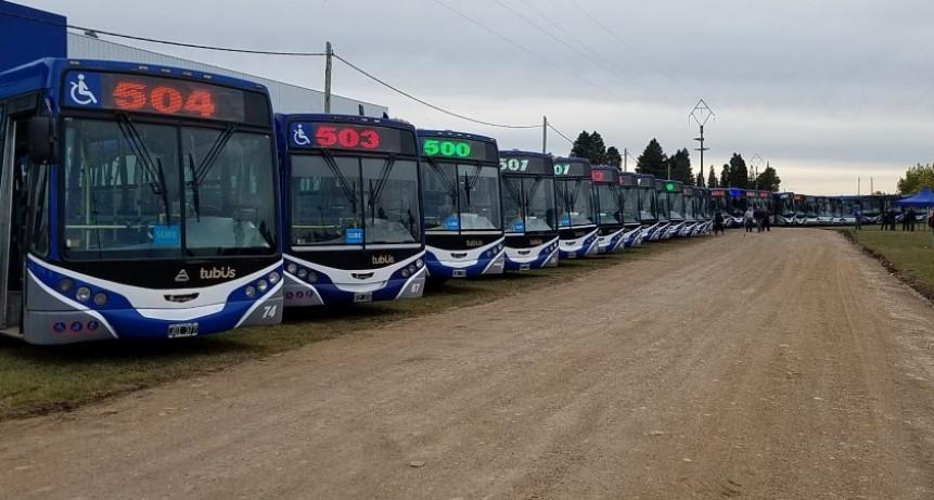 Transporte público: se presentaron los coches