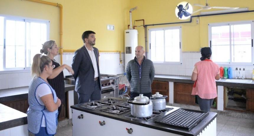 El intendente recorrió el CEC 802 por obras en la cocina
