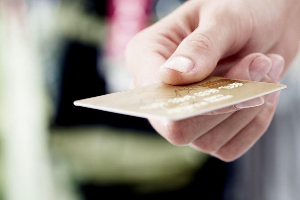 Los vencimientos de tarjetas de crédito se podrán abonar hasta el 13 de abril