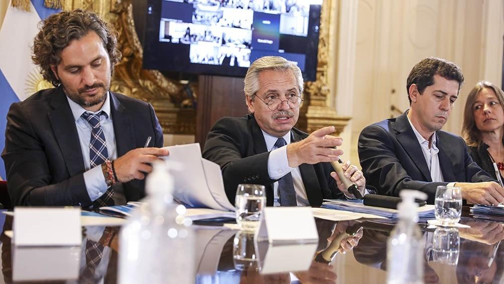 El Presidente analiza con Cafiero y ministros la extensión del aislamiento