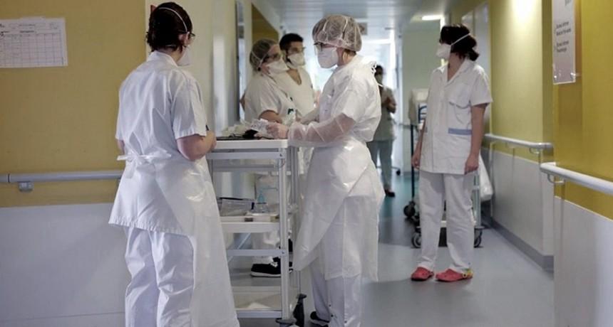 El coronavirus avanza con menos virulencia y España se prepara para extender el confinamiento