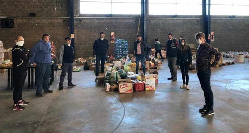 Radicales: entrega de alimentos de la colecta