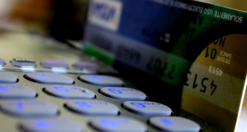 Consejo Escolar convoca a agentes a retirar tarjetas de débito