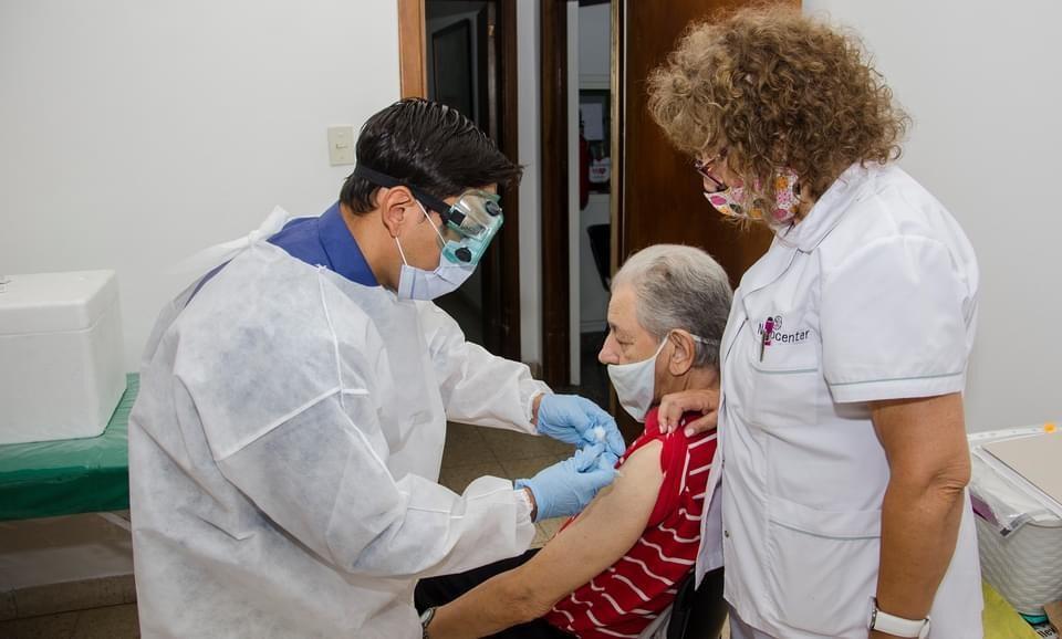 Inmunidad, contagio, variantes: preguntas sobre las vacunas contra el coronavirus