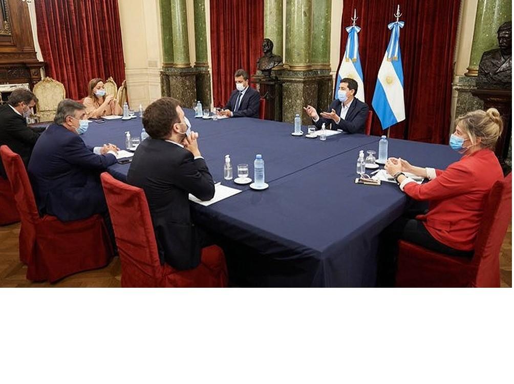 El Gobierno convocó a la oposición a conformar una comisión de seguimiento de la pandemia