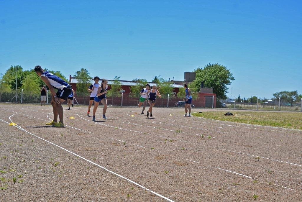 Días y horarios de funcionamiento de la Escuela Municipal de Atletismo