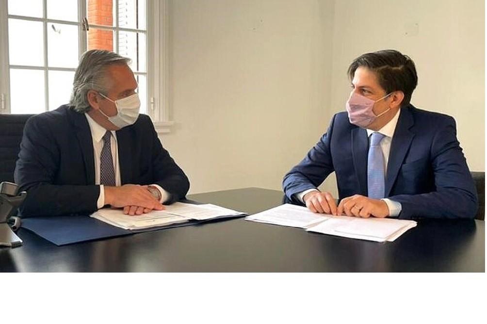 Fernández se reunió con Trotta para analizar la 'presencialidad administrada' en los colegios