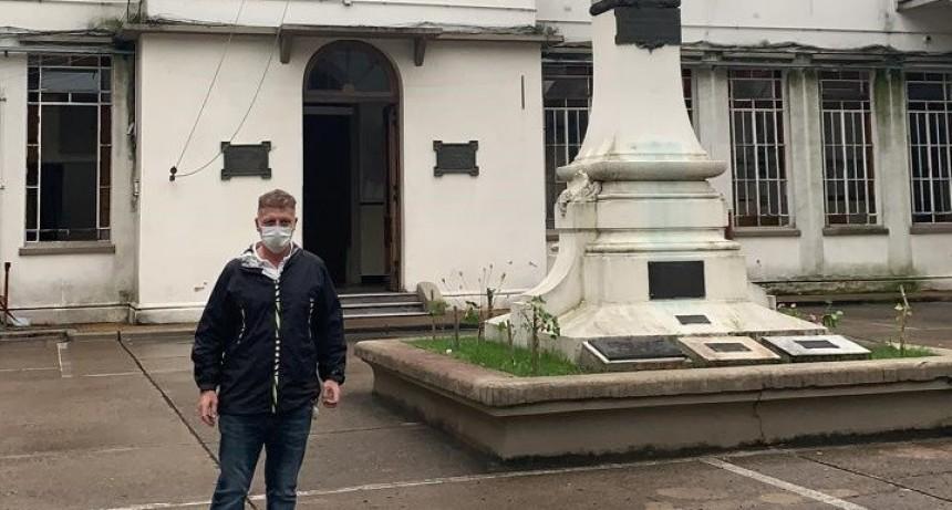 Galli destacó la profesionalidad del equipo de salud y Caputo viajó a informarse a Buenos Aires
