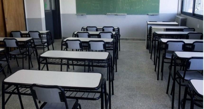 Los gremios docentes respaldaron la decisión presidencial de suspender la presencialidad