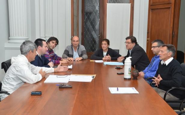 Margarita Arregui encabezó una nueva reunión de gabinete