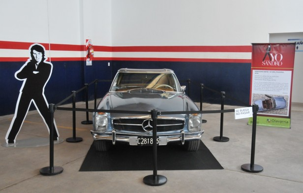 """El auto de Sandro en el Museo Municipal """"Hnos Emiliozzi"""""""