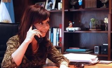 La presidenta llamó por teléfono a una docente de Colonia Hinojo