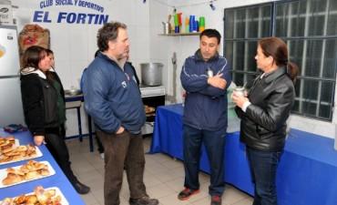 Margarita Arregui recorrió el merendero del Club El Fortín
