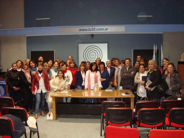LU32 presentó 'En La Región tu escuela va a la radio'