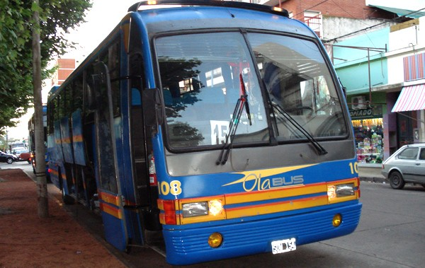 Colectivos: paro en el servicio de transporte interurbano