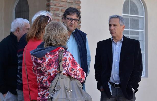 José Eseverri se reunió con vecinos del barrio Coronel Dorrego