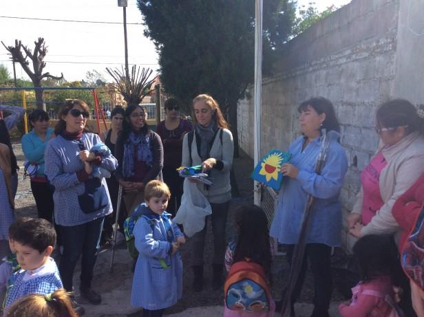 La Consejera Escolar Inés Creimer entregó banderas en el Jardín N° 912