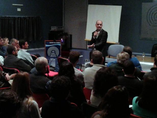 Sergio Hernández ofreció una charla a beneficio de la filial local de ELA