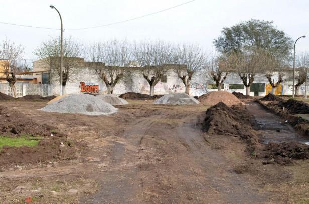 Comenzaron las obras de remodelación de la plaza Libertad del barrio Luján