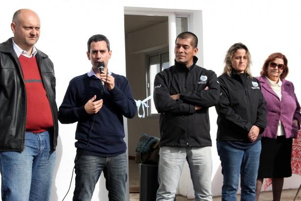 González Hueso entregó viviendas del Barrio Químico