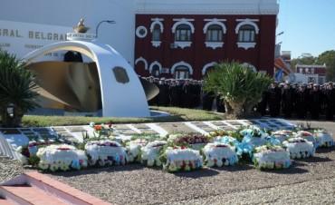 Crucero Gral. Belgrano: Olavarrienses en el acto por un nuevo aniversario