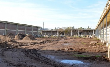 Continúan las obras de parquización en el cementerio Municipal
