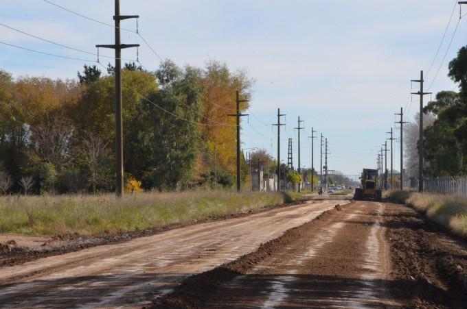 El Municipio realiza el mantenimiento de la avenida Sarmiento