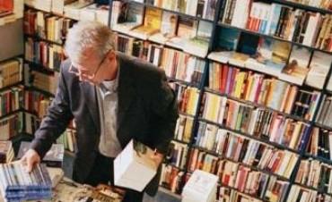 Venta de libros usados en la Biblioteca 1ro. De Mayo