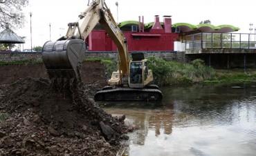 Continúan los trabajos en el Arroyo Azul