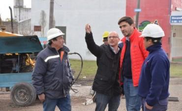 El intendente Galli recorrió la obra de agua corriente para los barrios La Candela y Los Reseros