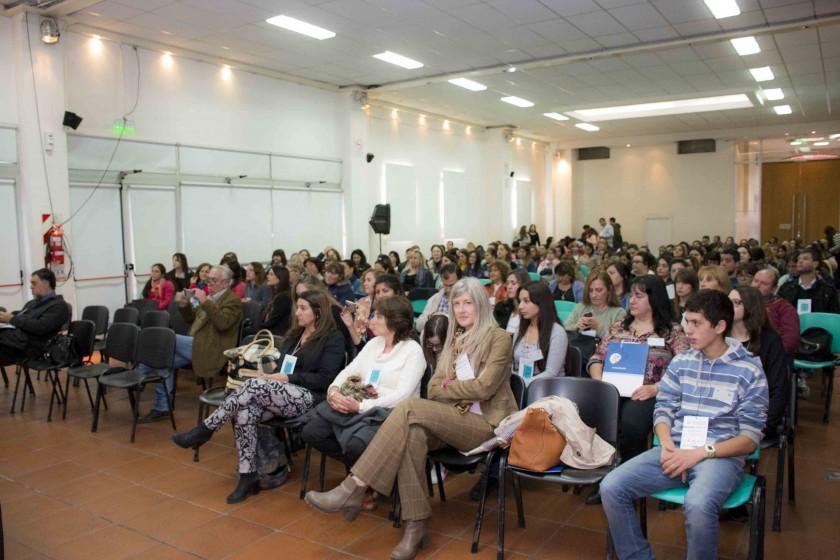 En el día mundial de la enfermería, en Olavarría debaten acerca de la colegiatura