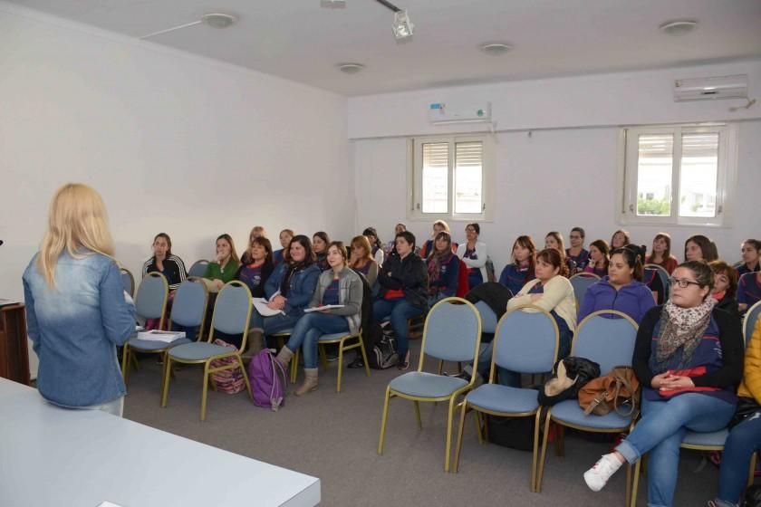 Jardines Maternales: capacitación para docentes y coordinadoras