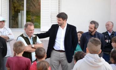 Galli visitó localidades y entregó móviles policiales