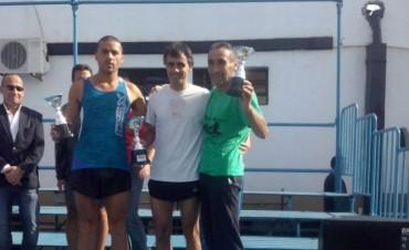 Oficial de la Unidad N°38 premiado en Maratón 8K en La Plata