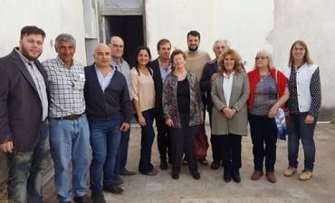 Lordén visitó Bolívar junto a varios funcionarios y entregó subsidios