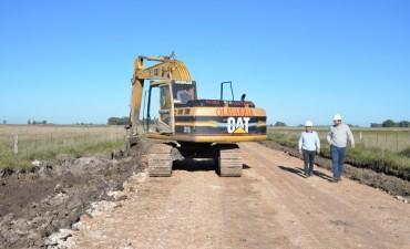 Trabajos de bacheo en caminos rurales