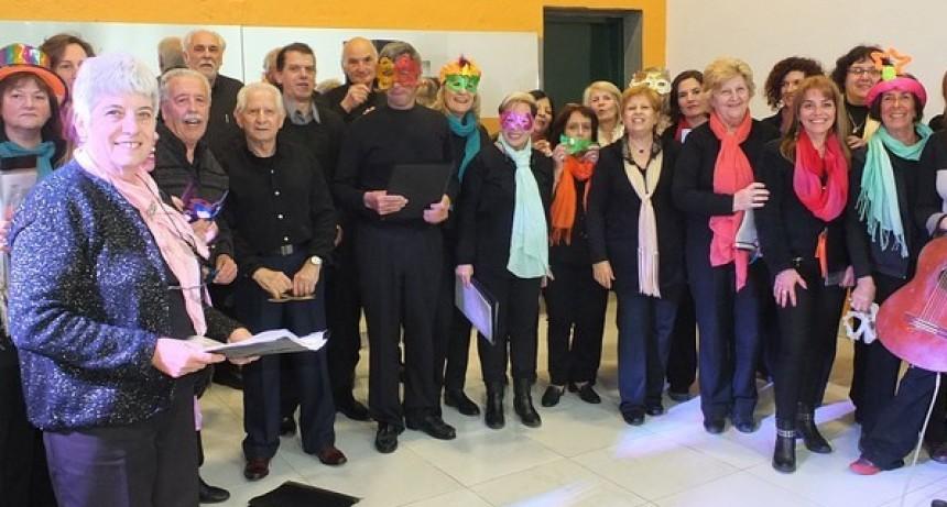 Ensayo abierto del coro de la Universidad nacional del Centro, sede Azul