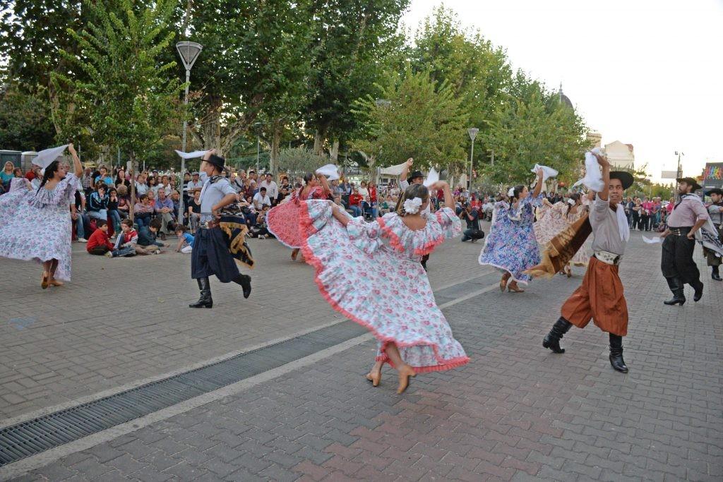 """Este domingo comienza """"Bailemos Juntos"""""""