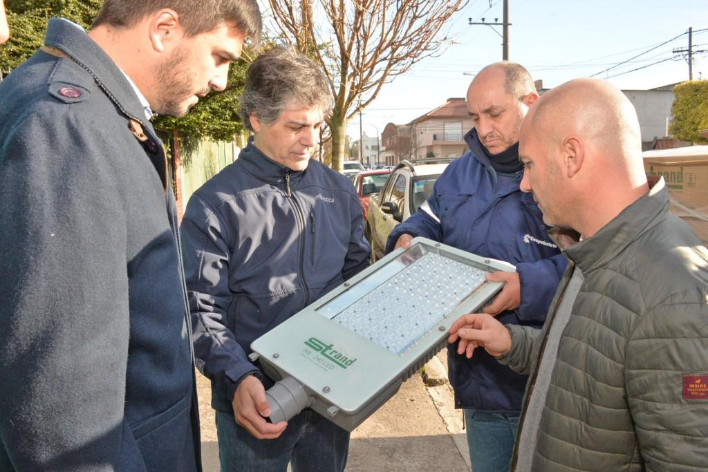 Olavarría sustentable: continúa la instalación de luminaria LED en distintos puntos de la ciudad