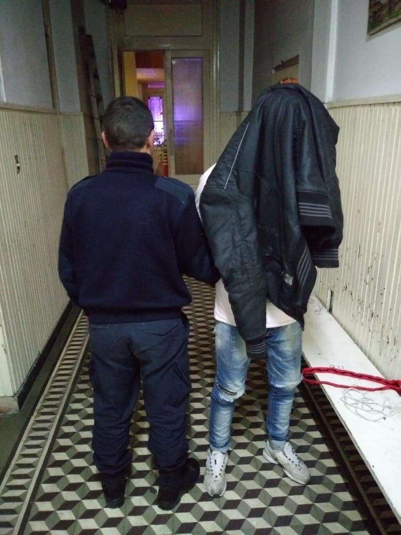 Un detenido acusado de hurto agravado in fraganti