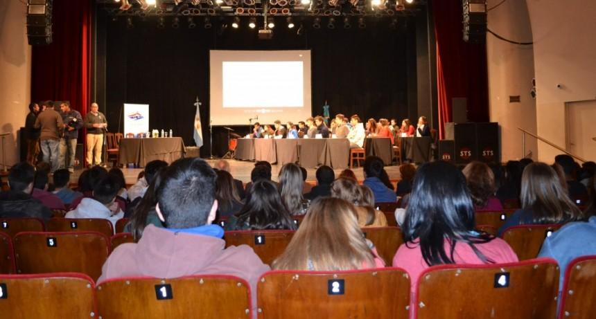 En las escuelas secundarias de Olavarría ya se trabaja en el Parlamento Juvenil del Mercosur