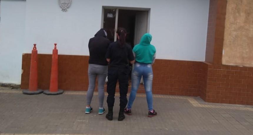 Aprehenden a dos mujeres por Lesiones leves, amenazas y hurto in fraganti