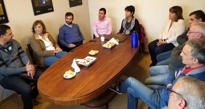 Aguilera junto a Marcó del Pont y empresarios locales
