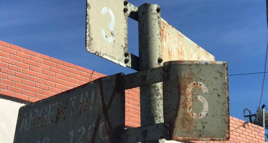 El Concejal Rodríguez solicita pavimento y mejoras en canales y cartelería de calles de Colonia Hinojo