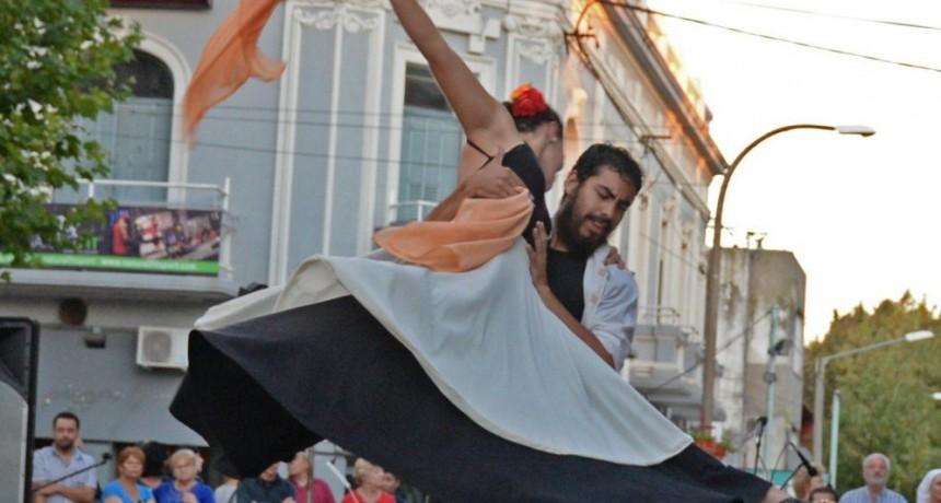 Tardes de Danza y música en el Paseo Jesús Mendía