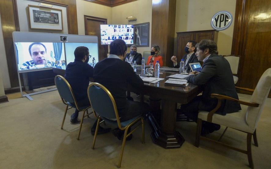 Kicillof anunció una línea de leasing para los municipios