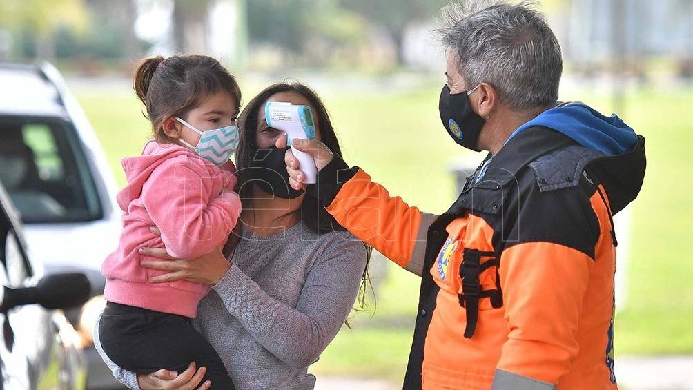 Cuáles son los dos nuevos síntomas de coronavirus que definió la OMS