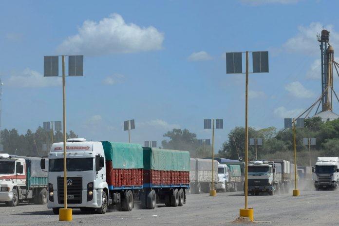 """Alfredo  Guagliano: """"Debería  aplicarse un solo protocolo para el transporte de cargas y así se evitarían las avivadas"""""""