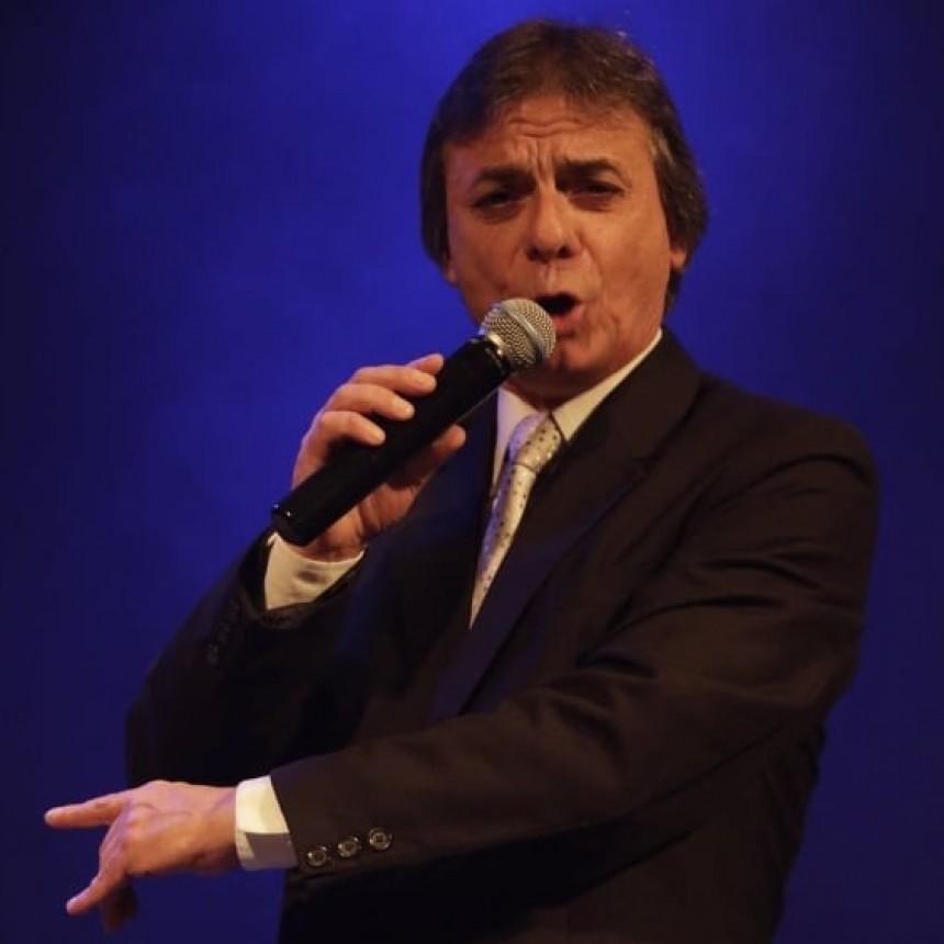 En cuarentena, en vivo y para Lu 32 cantó Mario Bellomo